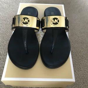 Michael Kors Warren Thong Black Leather Sandals